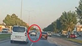 Bursa trafiğinde makas attı, kameraya böyle yakalandı
