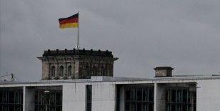 Almanya'da trene biletsiz binen PKK yandaşları ile polis arasında arbede çıktı