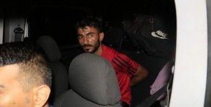 Motosikletini bırakıp polisten kaçtı, ara sokakta yakalandı