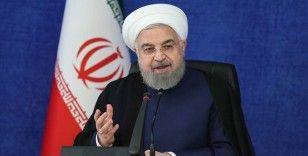 İran Cumhurbaşkanı Ruhani: Petrol gelirimiz 120 milyar dolardan 20 milyar dolara geriledi