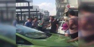 Ankara'da kadın sürücü ile kamyon şoförü tekme tokat kavga etti