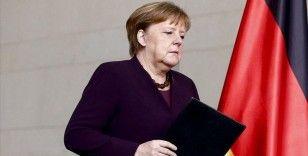 Merkel'in partisi yerel seçimlerden zaferle çıktı