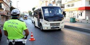 İstanbul'da Kovid-19 tedbirlerine ilişkin yeni toplu ulaşım kurallarına uyuluyor
