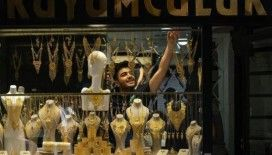 Wall Street Journal: Türkiye'de TL'nin değer kaybı sonrası altına ve çelik kasalara hücum başladı