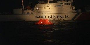 İzmir'de 48 sığınmacı kurtarıldı