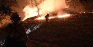 Trump, orman yangınlarının sürdüğü California'yı ziyaret etti
