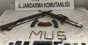 Muş'ta PKK/KCK terör örgütüne operasyon: 9 gözaltı