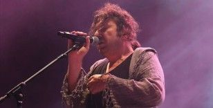 Gözaltına alınan şarkıcı Halil Sezai serbest bırakıldı