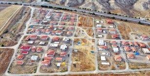 'Obruklu köy'ün sakinleri yeni ve modern köylerine taşınıyor