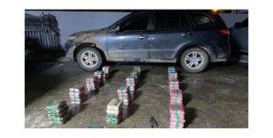 Panama'da valinin arabasında 79 paket uyuşturucu çıktı
