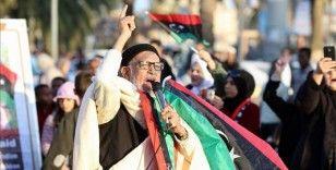 Libyalılar iki hükümete ve dış güçlere karşı sokakta