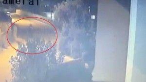 Ev sahibi ile göz göze gelen hırsız 2. kattan böyle atladı