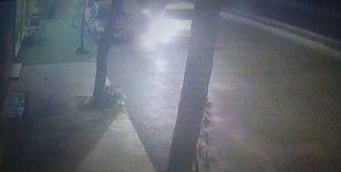 Arnavutköy'de motosiklet ile otomobil çarpıştı: 1 yaralı