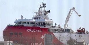 Oruç Reis ikmal için demir attığı Antalya Limanı'ndan ayrıldı
