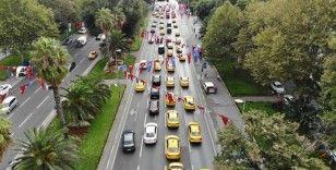 Taksiciler İBB önünde eylemde