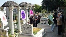 Sanat güneşi mezarı başında anıldı