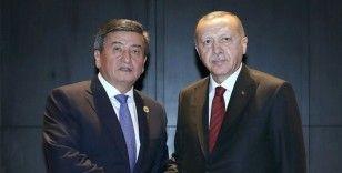 Cumhurbaşkanı Erdoğan Kırgızistan Cumhurbaşkanı Ceenbekov ile telefonda görüştü
