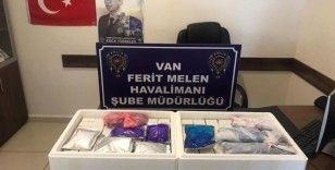 Van'da 224 adet kaçak botoks dolgu ürünü ele geçirildi