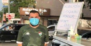 Bursaspor'dan ayrılan Kubilay için taraftar lokma döktürdü