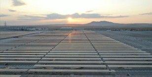 Karapınar GES'te 4 megavatlık enerji şebekeye aktarılıyor