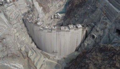 Türkiye'nin en yüksek gövdeli barajının gövdesinin tamamlanmasına 40 metre kaldı