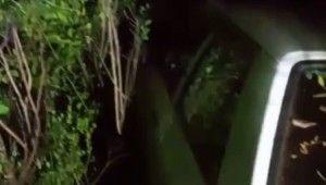 El frenini çekmeyi unuttuğu otomobil 150 metreden uçtu