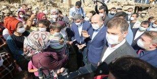 İçişleri Bakanı Soylu darbedilen mevsimlik tarım işçilerini ziyaret etti
