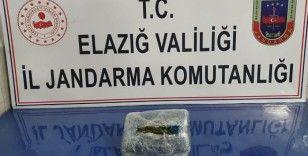 Elazığ'a esrar getirmeye çalışan şüpheli yakalandı