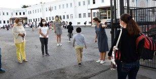 Milli Eğitim Bakanı Selçuk: Okul binalarına girmeyerek dışarıda bekleyen velilerimize teşekkür ederiz