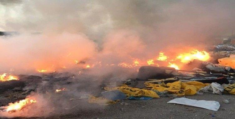 Balıkesir'de çöplük alanı yandı
