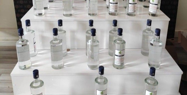 Mersin'de 32 litre sahte etil alkol ele geçirildi