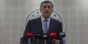 Milli Eğitim Bakanı Selçuk: Müfredatta bir azalma söz konusu değil