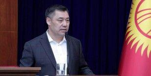 Kırgızistan Başbakanı Caparov, cumhurbaşkanlığı yetkililerinin kendisine devredildiğini açıkladı