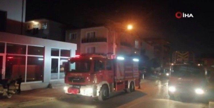 4 katlı binada yangın: Vatandaşlar sokağa döküldü