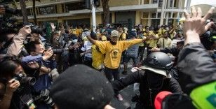 Tayland'da protestolar sürerse sokağa çıkma yasağı ilan edilecek