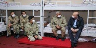 İçişleri Bakanı Soylu, İkiyaka Dağları'ndaki üs bölgesini ziyaret etti