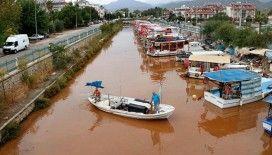 Fethiye'de yağış sonrası denizin rengi değişti