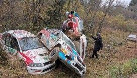 Rus rallisinde 6 araç aynı noktaya uçtu