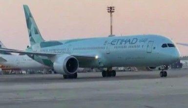BAE'den İsrail'e ilk ticari uçuş gerçekleştirildi