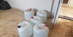 Adana'da bin 400 litre sahte içki ele geçirildi