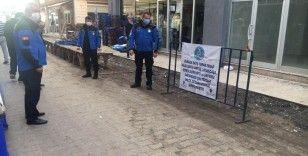 Hileli satış yapan pazarcının tezgahı kapatıldı