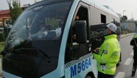 Polisten minibüslerde Covid 19 denetimi