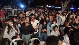 Murat Dalkılıç konserinde korona unutuldu