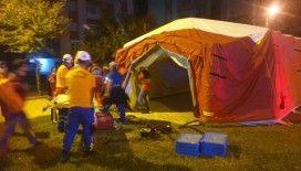 İzmir Valisi Yavuz Selim Köşger, çadır kurulacak alanları açıkladı