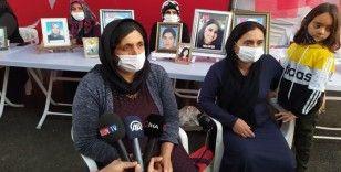 Evlat nöbeti tutan ailelere 2 yeni aile daha katıldı