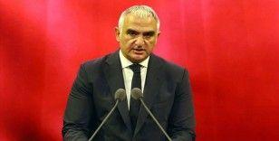 Ersoy: Atatürk'ün fikir ve icraatları bağımsızlığın sadece savaşta kazanılan zaferlerle sağlanamayacağının ifadesidir