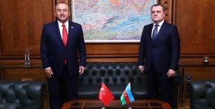 Dışişleri Bakanı Çavuşoğlu, Azerbaycanlı mevkidaşı Bayramov'u kutladı