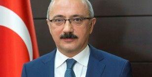 Hazine ve Maliye Bakanı Lütfi Elvan yemin ederek görevine başladı