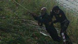 Asi Nehri'ne düşen alkollü adamı itfaiye kurtardı