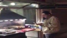 Kokoreççi görünümlü gece kulübüne polis baskını